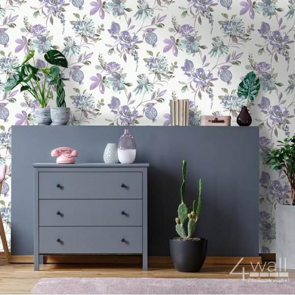 Tapety do przedpokoju fioletowe kwiaty na białym tle