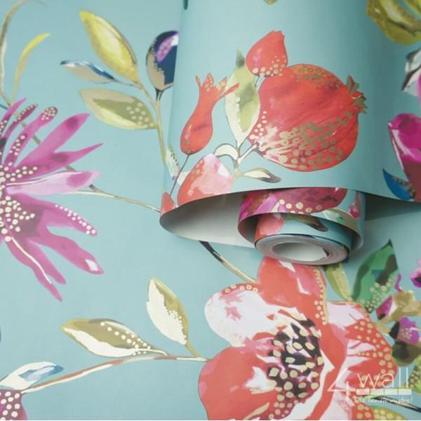 Turkusowa tapeta w egzotyczne kwiaty i liście