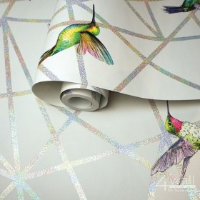 Biała tapeta w geometryczne linie kolibry