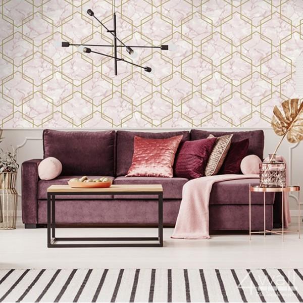 Geometryczna tapeta do salonu 3D różowa w złote linie