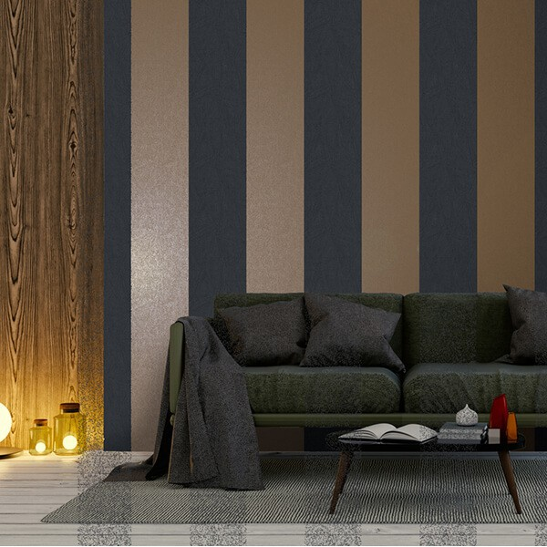Tapety w błyszczące złoto granatowe pasy eleganckie do salonu w stylu nowoczesnym