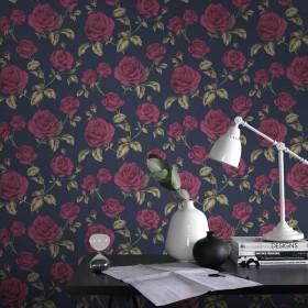 Tapeta w kwiaty na ciemnym tle róże