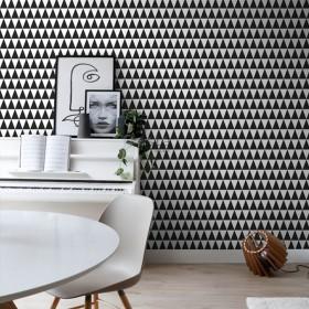 Tapeta w czarno-białe trójkąty