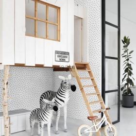 tapeta na ścianę biało czarne kropeczki