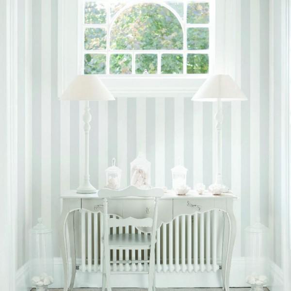 Tapety w szaro białe pasy do salonu i sypialni aranżacje wnętrz