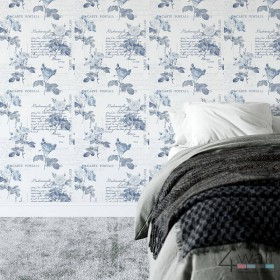 Granatowa tapeta ścienna w róże z napisami do salonu i sypialni
