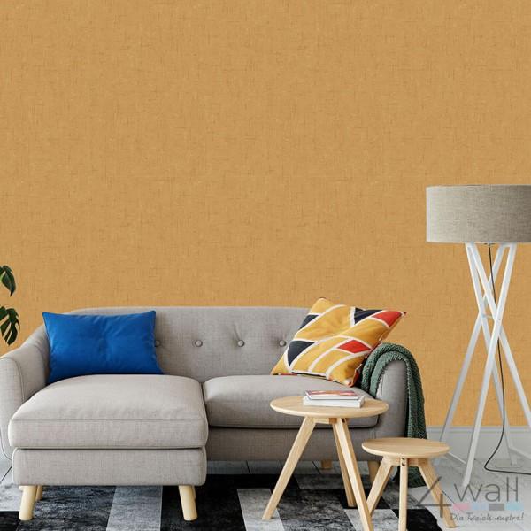 Błyszcząca tapeta w kolorze złotym na korytarz