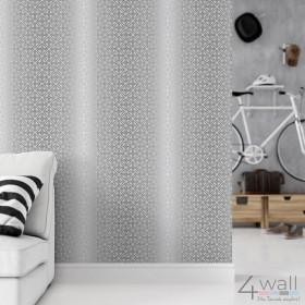 Jaka tapeta geometryczna do salonu? Szaro srebrna przecierana