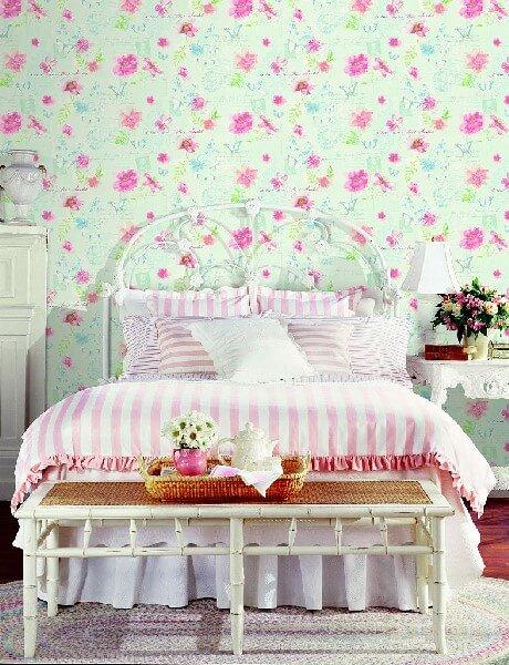 Tapety w mietowe rozowe kwiaty do sypialni